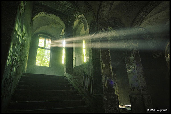 Beams - Beelitz-Heilstätten by Martino ~ NL
