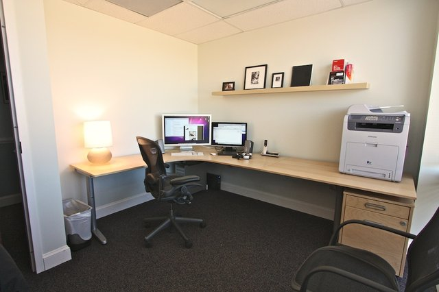 dreamten studios - Graphic Design Desks