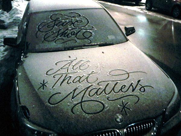 snow script typography