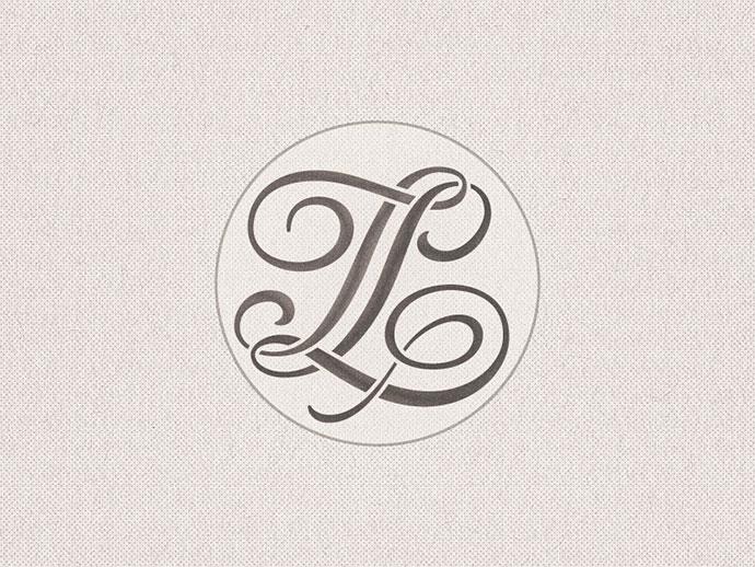 Stencilled »TL« Monogram ...