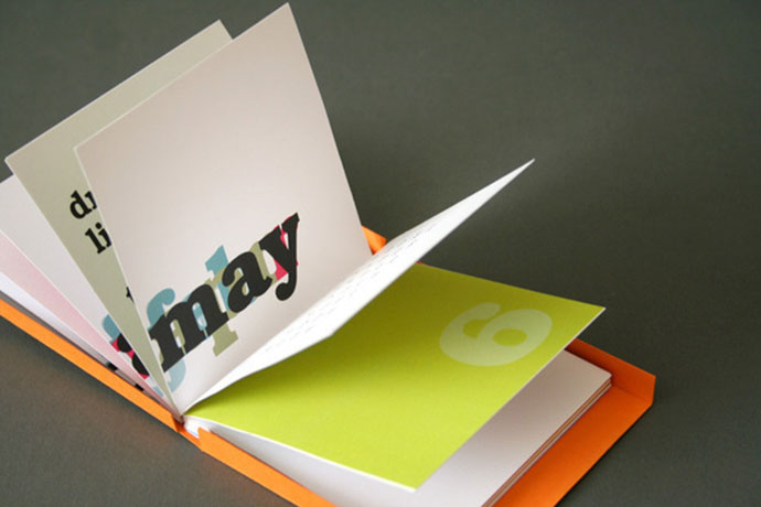 simple typographical solution of a desk calendar