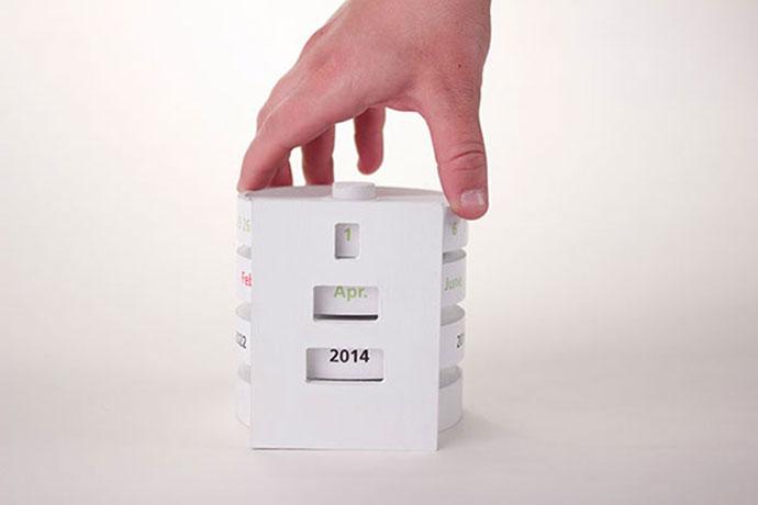 Revolving Desk Calendar by Leslie Russell
