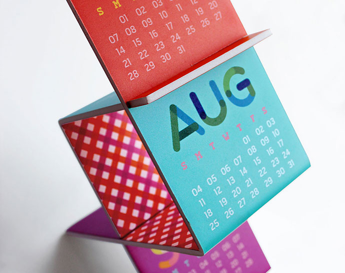 Interlocking Desk Calendar